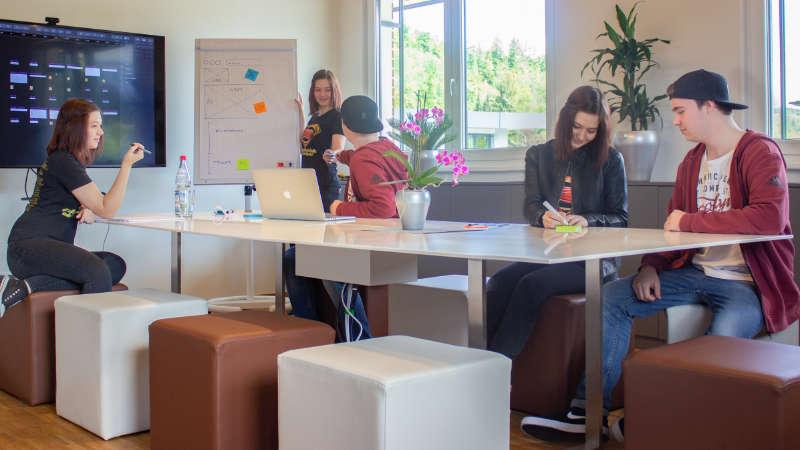 Leeres Büro? Nicht mit Photoshop!
