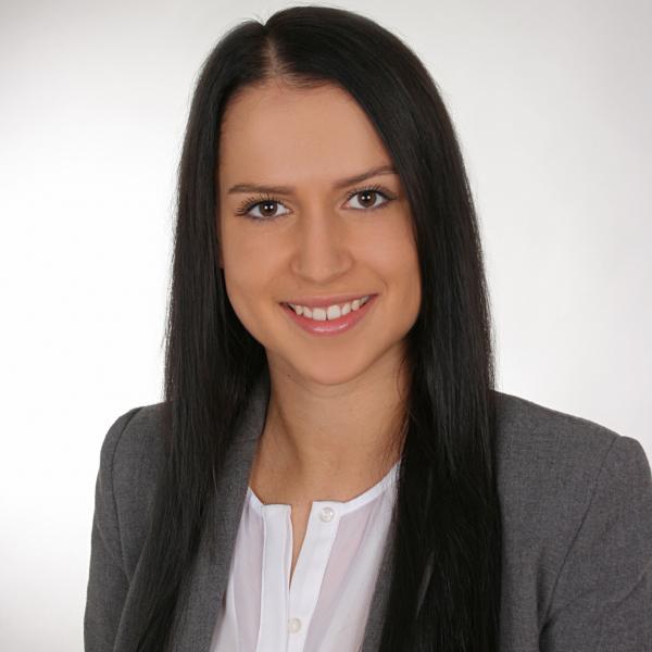 Nina Burkhardt - Personalreferentin Recruiting