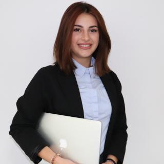 Aneta Alijaj - Auszubildende Industriekauffrau
